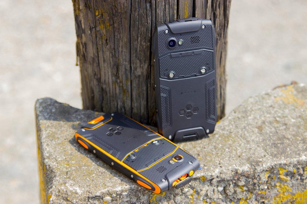 3758e92143ee myPhone Hammer Axe   fot. gsmManiaK.pl