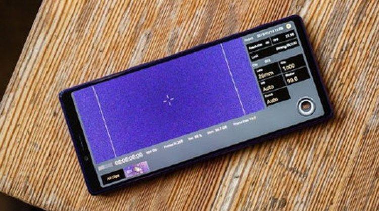 To jest Xperia 3? Sony wraca do najpiękniejszego designu w swojej historii! -