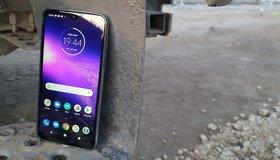 test taniego smartfona