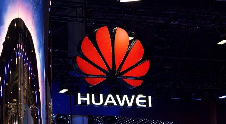 Huawei chce być jak Samsung? Chińczycy szykują stację dokującą dla swoich smartfonów -