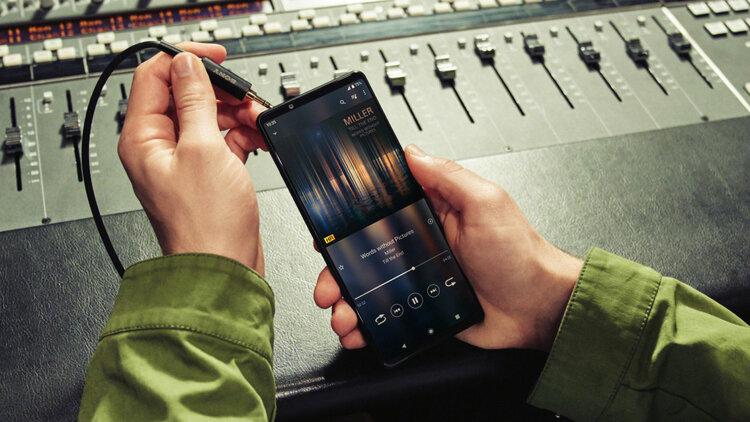 Jak nóż w serce: flagowiec za 5799 złotych może dostać tylko JEDNĄ aktualizację Androida! -