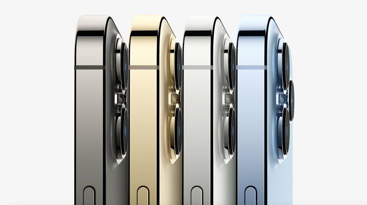 Samsung znowu naśmiewa się z Apple. iPhone 13 wyszydzony za jedną rzecz -