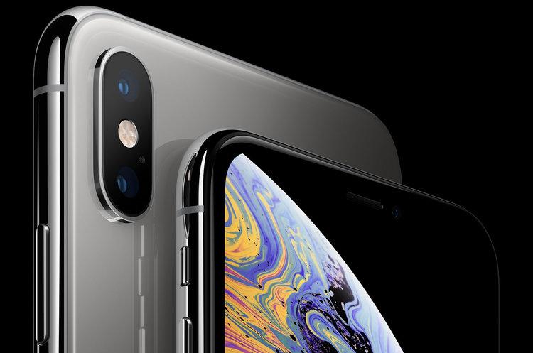 Apple pozwane za… ukrywanie notcha. Klientka myślała, że iPhone XS go nie ma -